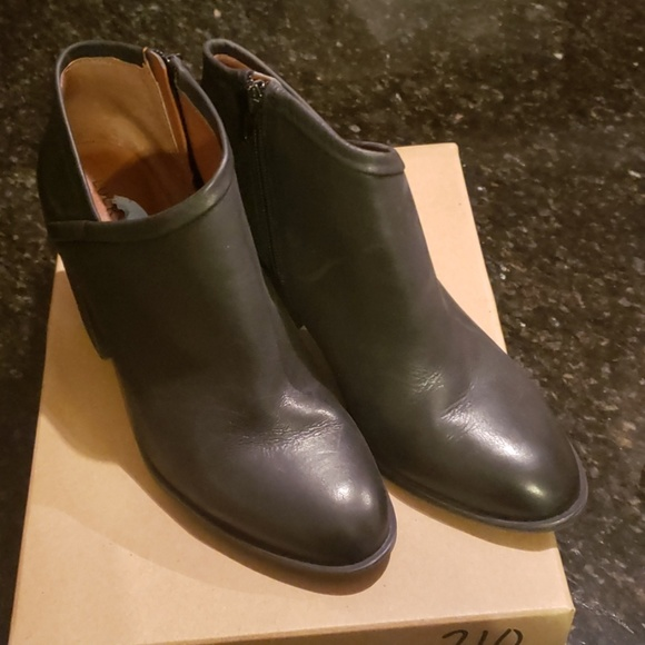 Lucky Brand Shoes - Lucky Brand Booties sz. 9.5